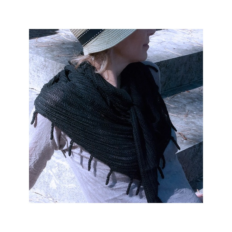 Echarpe LIMA , le baby alpaga version triangle NOIR