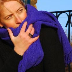 Echarpe tissée en laine vierge de Patagonie BLEU DUR
